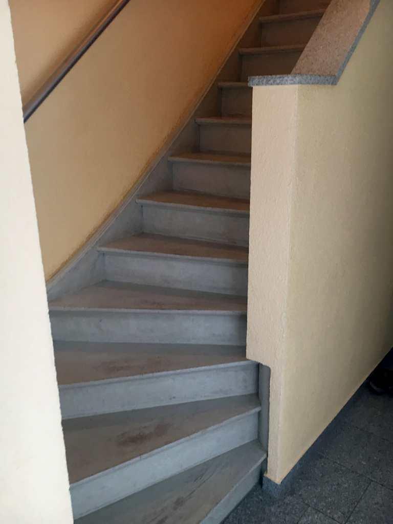 Treppenrenovierung Nördlingen | MST Strauß GmbH, Treppe Nördlingen Vorher